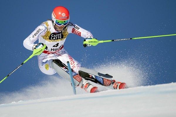 cb34a564f Tipnúť si môžete tiež na konečný triumf medzi ženami aj mužmi. Víťazstvo  Petry Vlhovej v slalome (celkovo) má v Tipsporte kurzovú hodnotu 12,00!
