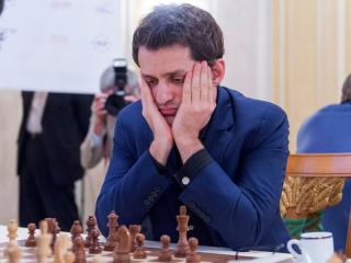 Dotáhne Caruana velkou šanci?