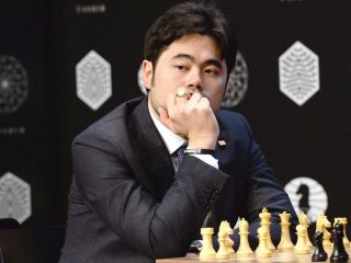 K vítězství mají nejblíž Nakamura s Aronianem