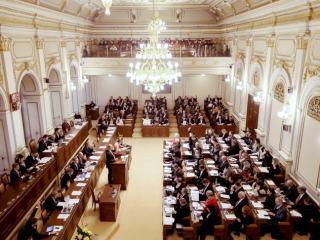 Kto vyhrá poľské parlamentné voľby?