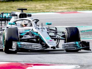 Hamilton získá další titul, věří janko2015
