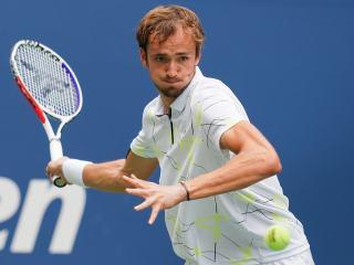 Finále US Open živě! Pomstí se Medveděv?